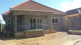 Residential 3bed roomed house in the mbalwa namugongo surounded lucky