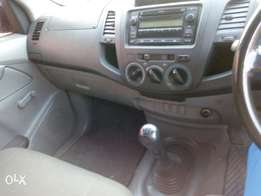 Selling Toyota hilux diesel 2400 cc manual