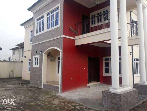 Edifice:luxury 5bedrum with 2bedrum bq off Odili rd Port-Harcourt - image 1