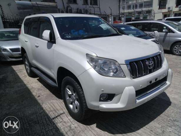 Toyota Prado 7seater 2011 model KCN number. Loaded with alloy rims , Mombasa Island - image 1