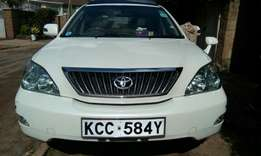 Clean Toyota Harrier newshape,2009 model with paronomic sunroof.