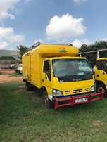2007 Isuzu NQR500 With Closed body