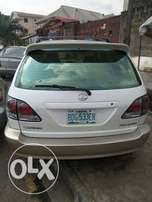 Sparkling 2001 Lexus RX300 Up 4Grabs