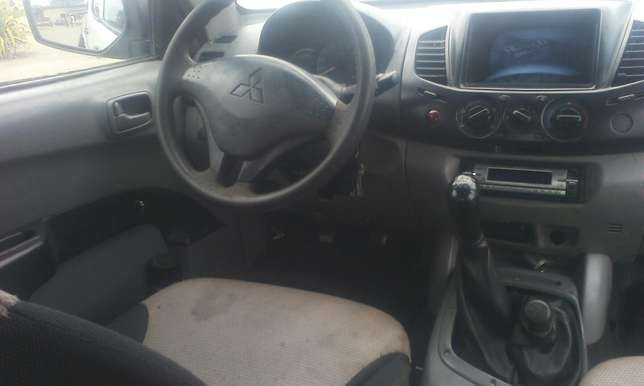 A clean mitsubishi L200 pick up Agege - image 7