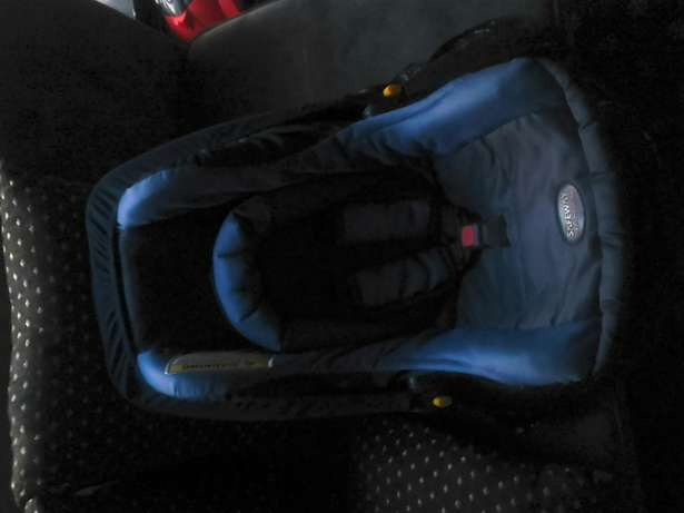 Safeway snug n safe car seat x2 Melville - image 2