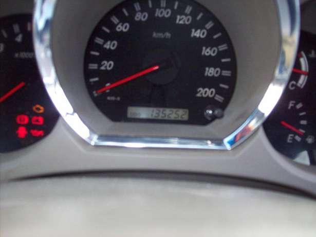 Toyota fortuner 4x4 Model,5 Doors factory A/C And C/D Player Johannesburg CBD - image 7