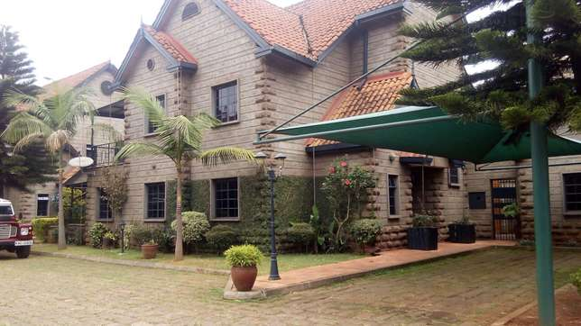 A 5 bedroom townhouse with a servant quarter for letting. Kileleshwa - image 1