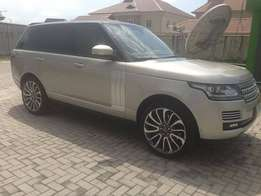 An ultra clean Bought Brand New 2014 Range Rover autobiography Vogue