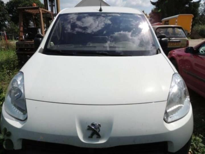 Peugeot Partner MAXI 1.6 e-HDI Komfort. Navi.Vollleder - 2012