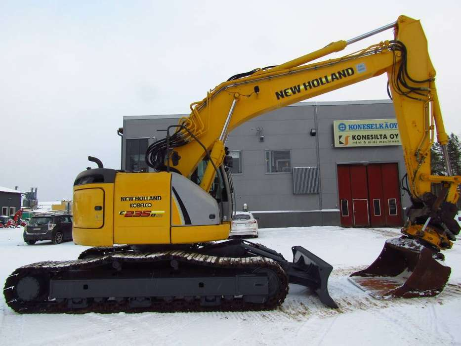 New Holland Myyty! Sold! E235bsrlc Proboengcon - 2010 - image 7