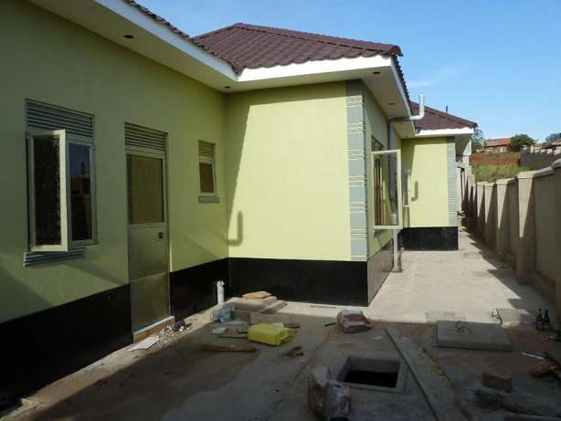 Standard 2 bedroom 2 baths house in Kyanja at 500k Kampala - image 8