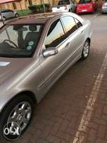 Mercedes Benz C320 for sale in good condition