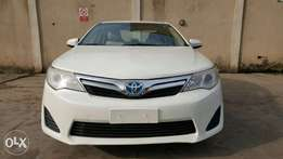 Super Clean White 2013 Toyota Camry XLE