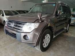 Mitsubishi pajero exceed 2010 model.