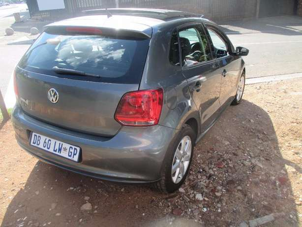 2014 vw polo 6 1.6 comfortline for sale Johannesburg CBD - image 3