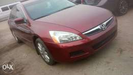 Princely fresh Canadian 07 Honda accord at an irresistible prices