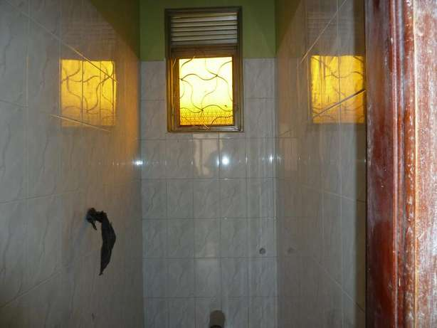 Standard 2 bedroom 2 baths house in Kyanja at 500k Kampala - image 2