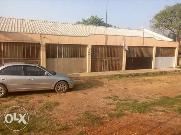 Self contained room to let at Cornershop by Carwash FHA Lugbe Lugbe - image 1
