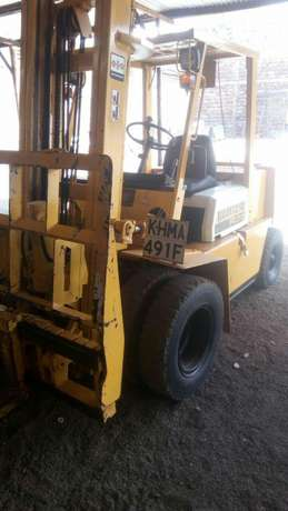 Forklift for hire 3tonnes to 5tonnes Biashara - image 2