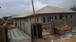 At NIHORT IBADAN urgent sales twin completed 3 bedroom Bungalow