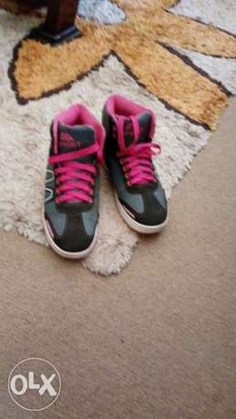 Pink black and white sneakers for an affordable price Kampala - image 3