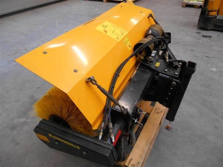 GMR Ff1300lsa - 2011