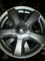 "Mags for Isuzu bakkies 17"" inch with centre caps good as new aset (4)"