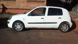 2002 Renault Clio 1.6 for sale at R38000