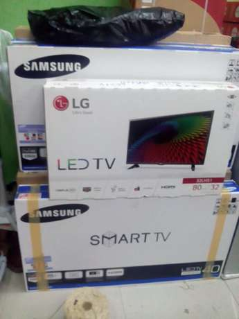 New month offer on TVs plus one year warranty. Visit our shop today. Tudor - image 1