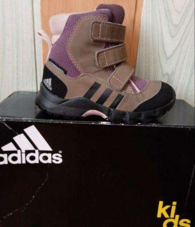 Buty zimowe dla dziewczynki Adidas kids rozmiar 23 Ossów
