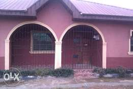 3 bedroom flat Ensuit to let at Alausa b/s Ikorodu 250k