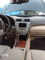 2009 Toyota Camry XLE with factory Navigation and Reverse camera