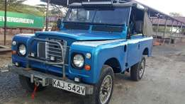 Landrover 109 (Rhino charge)