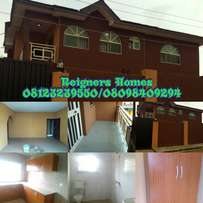 very Spacious 3bedroom Flat In Surulere Estate Close To Ikorodu Garage