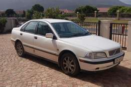 2001 Volvo S40 needs a new home