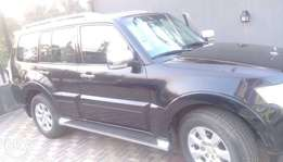 Clean mistubushi Pajero SUV,whatsapp me for more pictures