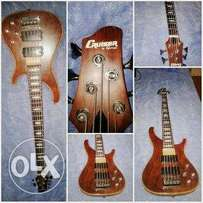 Hi guys im selling my 5string bass Cruiser by crafter
