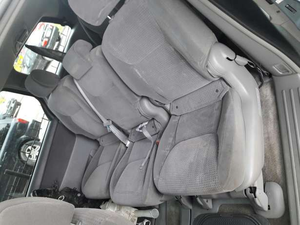 7 seater 2006 Toyota sienna.no issues.no accident.buy and drive. Amuwo Odofin - image 6