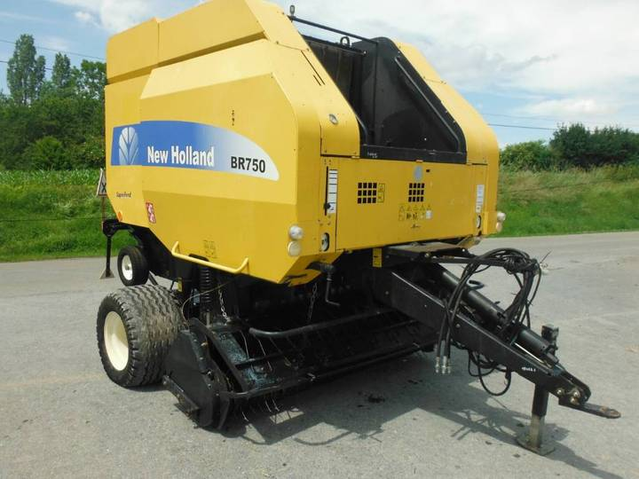 New Holland Br 750 - 2005