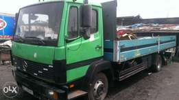 Tokunbo Mercedes Benz 814 truck with half sided body six tyres