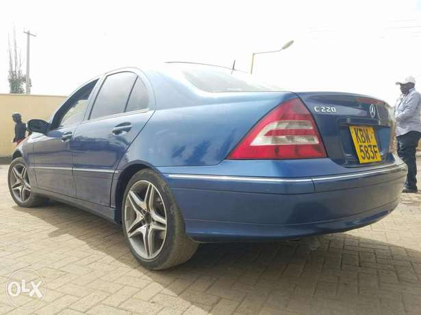 Mercedes Benz C 240 in good condition. Buy and drive Embakasi - image 3