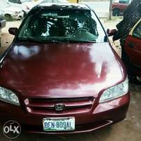 Neatly used Honda accord 2000 for sale.