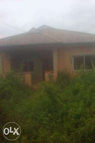 Very fantastic 5bdrm flat bungalow at MAGODO ISHERI,Available 4 SALE. Lagos Mainland - image 1