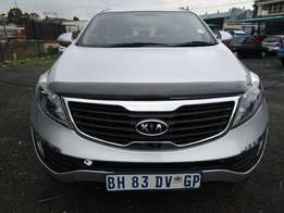 Kia Sportage 2.0 Model with Leather Interior 4 Doors, Factory A/C