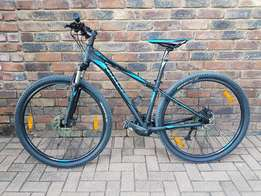 Brand new Gaint Revel 29er Bicycle & Accessories