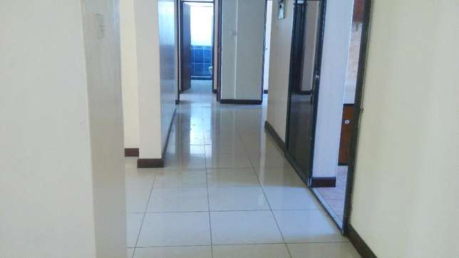 Magnificent 3 bedroom modern apartment to let Nyali Mombasa Island - image 7