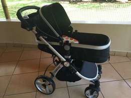 BabyBuggz 2 in 1 Triplicity Travel System in Black
