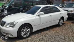 Toyota crown ,2008 kbx,super clean buy and drive very well maintained