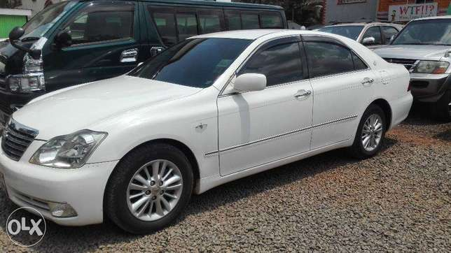 Toyota crown ,2008 kbx,super clean buy and drive very well maintained Hurlingham - image 1