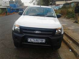 2015 ford ranger 2.2 , 6 speed 4x2 doublecab, 21000 km for R250000